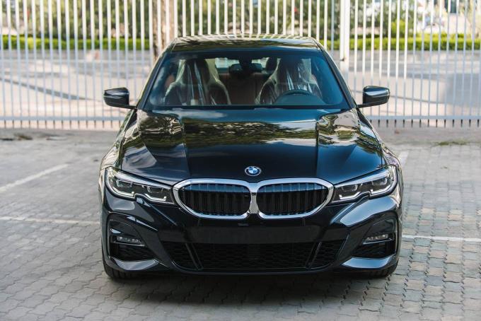 BMW 330i M Sport giá gần 2,4 tỷ đồng tại Việt Nam có gì đặc biệt