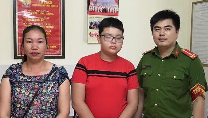 Nhờ Facebook gia đình tìm được bé trai đi lạc từ Lào Cai xuống Hà Nội