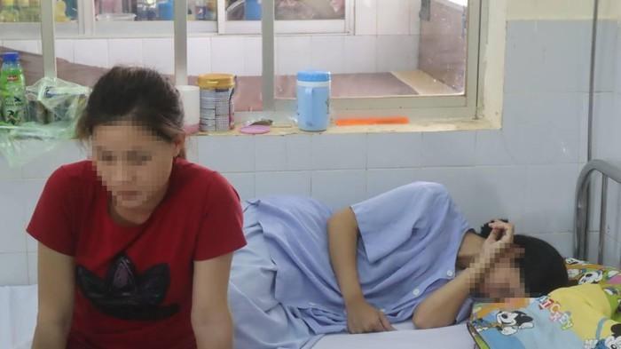 Sản phụ bị tài xế bỏ rơi giữa đường đang được điều trị tại bệnh viện. Ảnh Thanh Niên