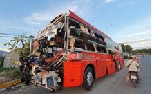 Kinh hoàng hiện trường 2 xe khách tông nhau, hàng chục người nhập viện