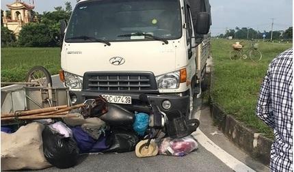 Hà Nam: Va chạm với xe tải người phụ nữ bán quần áo tử vong