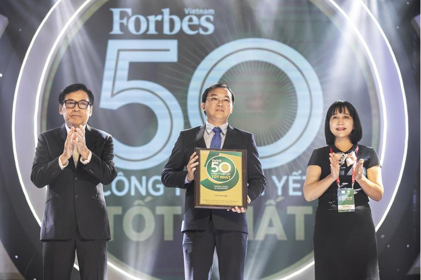 Kết quả kinh doanh ấn tượng, Vinamilk là doanh nghiệp niêm yết xuất sắc của VN và Châu Á