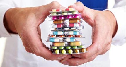 Cho trẻ dùng kháng sinh để điều trị ho dễ khiến trẻ ốm thêm