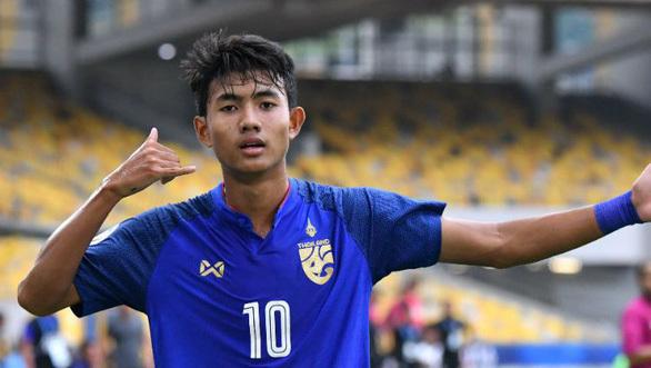 Đội tuyển Thái Lan mất 'sát thủ tuổi teen' Suphanat Mueanta ở trận đón tiếp Việt Nam