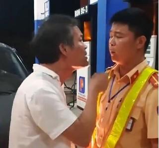 Danh tính tài xế lái xe biển xanh tát vào mặt CSGT ở Thanh Hóa