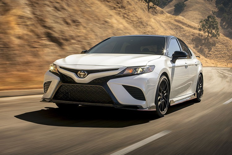 Lộ giá bán Toyota Camry 2020 phiên bản thể thao đẹp lung linh