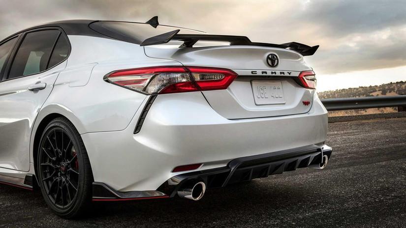 Lộ giá bán Toyota Camry 2020 phiên bản thể thao đẹp lung linh3