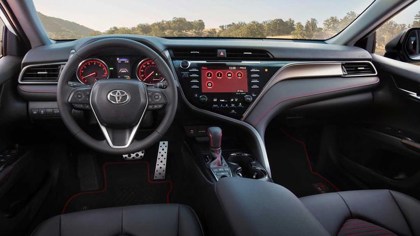 Lộ giá bán Toyota Camry 2020 phiên bản thể thao đẹp lung linh2