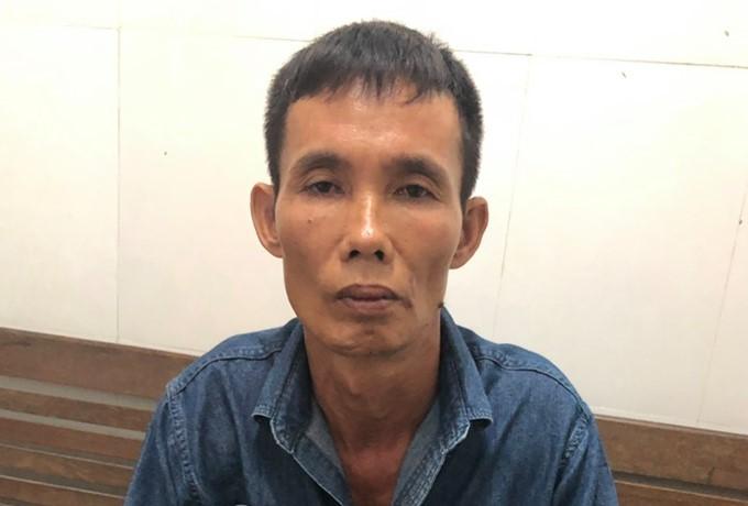 Gã xe ôm 'dởm' chở khách ra đồng hiếp dâm rồi cướp điện thoại