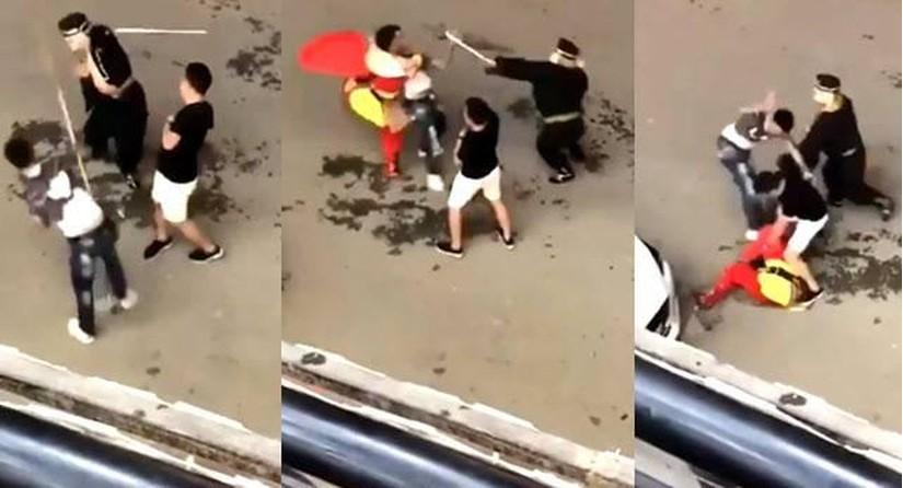 Tôn Ngộ Không và Trư Bát Giới bị đánh dã man tại Sa Pa. Ảnh cắt từ clip.