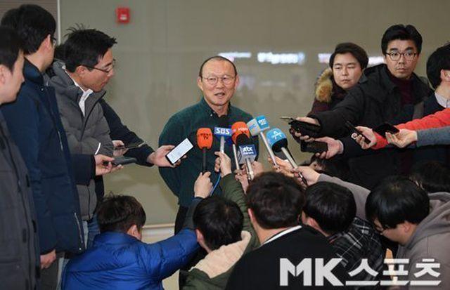 HLV Park Hang Seo tự tin trước chuyến làm khách Thái Lan