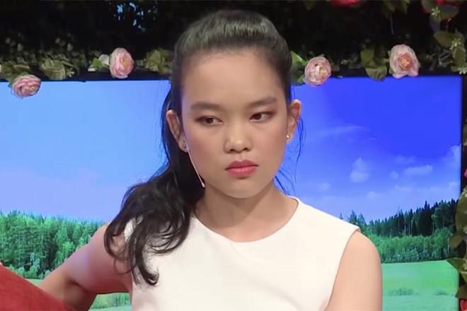 Tham gia show hẹn hò, 2 cô gái bị dân mạng chửi mắng sấp mặt