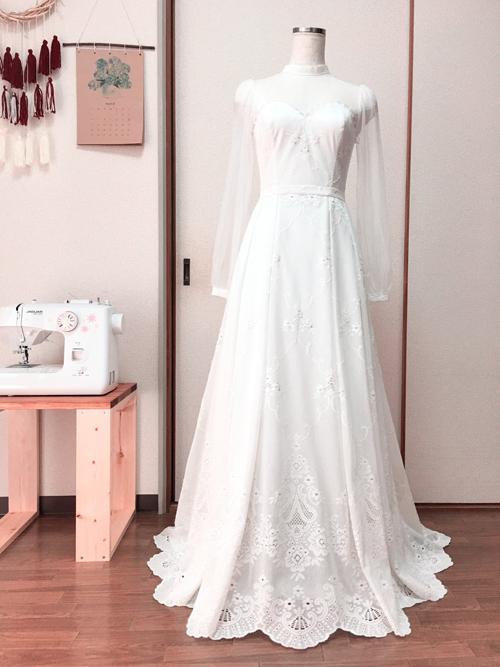 Cuộc sống được chồng chiều của cô dâu Việt tại Nhật tự may váy cưới3