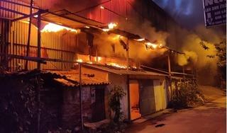 Cháy lớn tại Công ty phích nước Rạng Đông