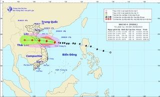 Tin mới nhất bão số 4: Hướng vào Nghệ An, Quảng Bình với tốc độ nhanh
