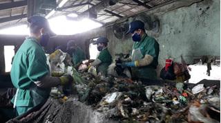 Lại phát hiện xác thai nhi lẫn trong túi rác ở nhà máy xử lý rác thải