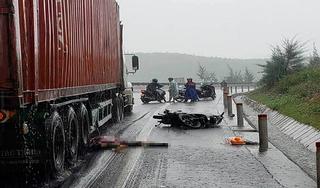 Tin tức TNGT ngày 30/8/2019: Cây cổ thụ đè thanh niên đi xe máy tử vong