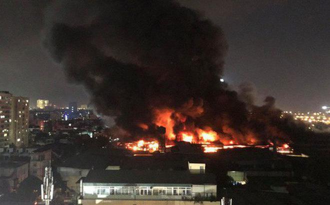 Vụ cháy nhà máy Rạng Đông ảnh hưởng thế nào đến sức khỏe người dân?