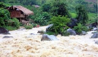Hai vợ chồng quê Nam Định bị lũ cuốn trôi khi đang qua suối