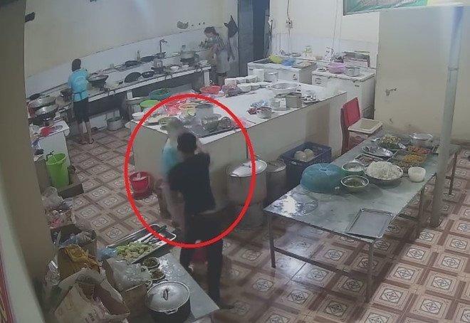 Đối tượng tạt axit nữ phụ bếp ở Hoà Bình đã ra đầu thú