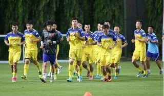 HLV Park Hang Seo loại 3 cầu thủ trước giờ sang Thái Lan