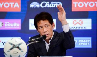 HLV Nishino 'kiêng' nhắc tới Việt Nam khi trả lời truyền thông Thái Lan
