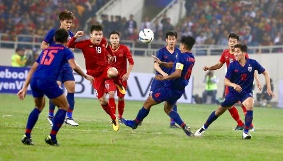 HLV Kiatisak tiếp tục nhận xét sốc về đội tuyển Việt Nam
