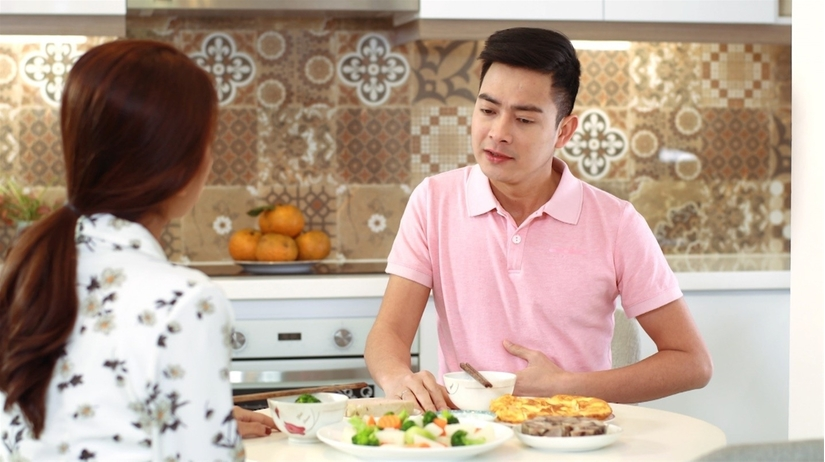 Chán ăn, chướng bụng, đầy hơi, khó tiêu là dấu hiện sớm của gan nhiễm độc