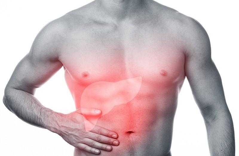 Đau tức hạ sườn phải có liên quan đến các tổn thương gan nhiễm độc