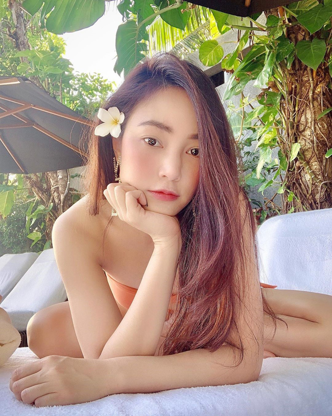 Bạn gái hơn 12 tuổi của Messi Thái Lan khoe vóc dáng bốc lửa2