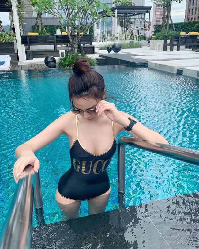 Bạn gái hơn 12 tuổi của Messi Thái Lan khoe vóc dáng bốc lửa8