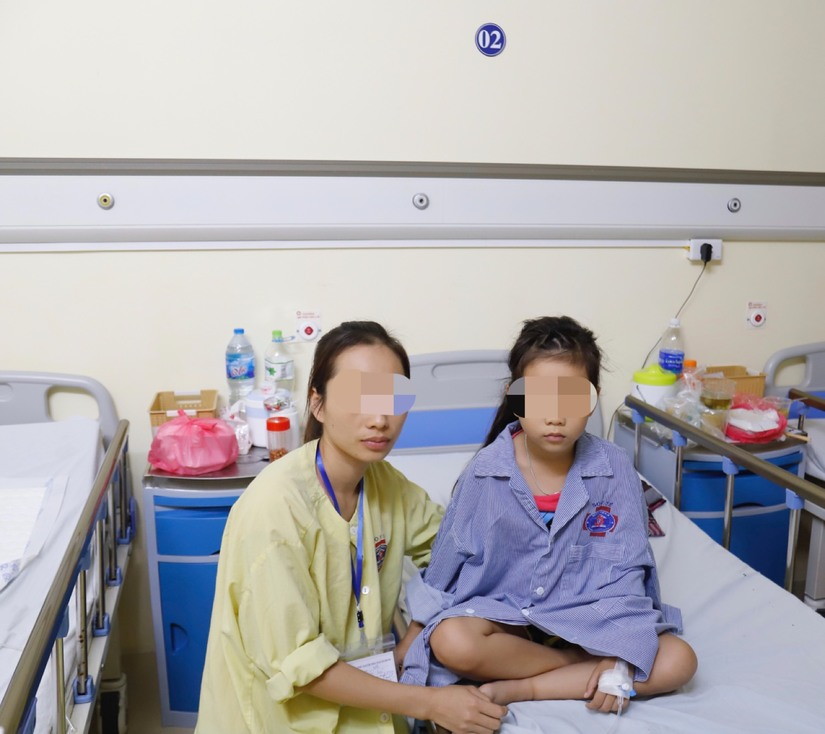 Bé gái Thanh Hóa mắc bệnh hiểm bị nhiều bệnh viện từ chối điều trị đã hồi sinh kỳ diệu 3