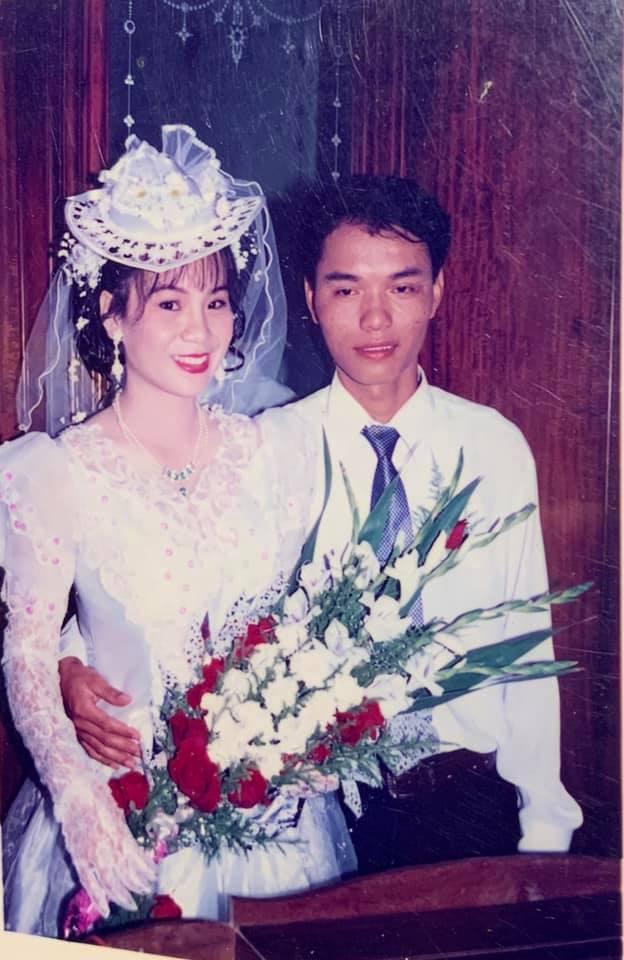 Style trang điểm ảnh cưới da trắng má hồng của bố mẹ ngày xưa3