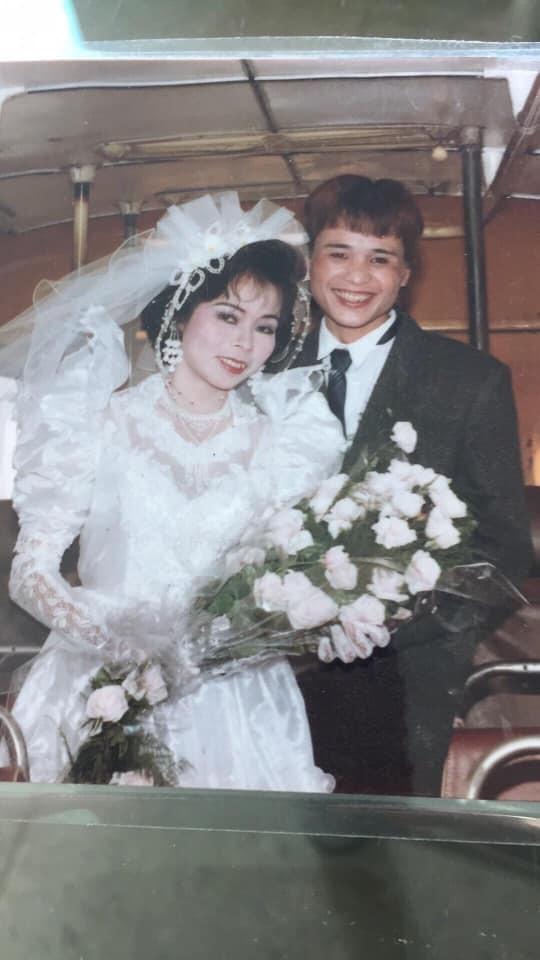 Style trang điểm ảnh cưới da trắng má hồng của bố mẹ ngày xưa5