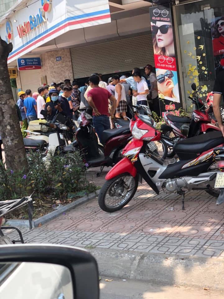 Xác định danh tính kẻ dùng súng giả cướp ngân hàng Vietinbank ở Hà Nội