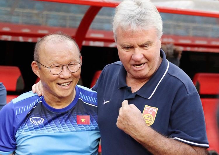 Thầy Park khóc như đứa trẻ khi tái ngộ HLV Guus Hiddink trên đất Trung Quốc