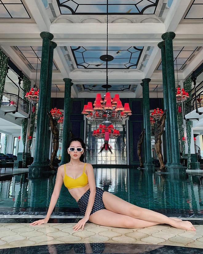 Chi Pu diện áo tắm khoe đường cong nóng bỏng