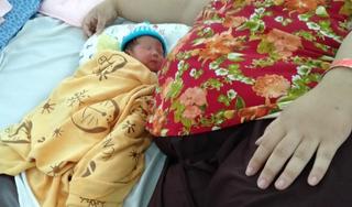 Bác sĩ 'căng như dây đàn' tìm phương án giúp mẹ bầu 162kg 'vượt cạn'