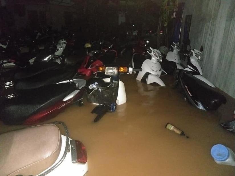 Thái Nguyên ngập nặng sau trận mưa giông lớn sáng nay 8