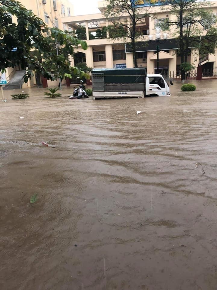 Thái Nguyên ngập nặng sau trận mưa giông lớn sáng nay 5