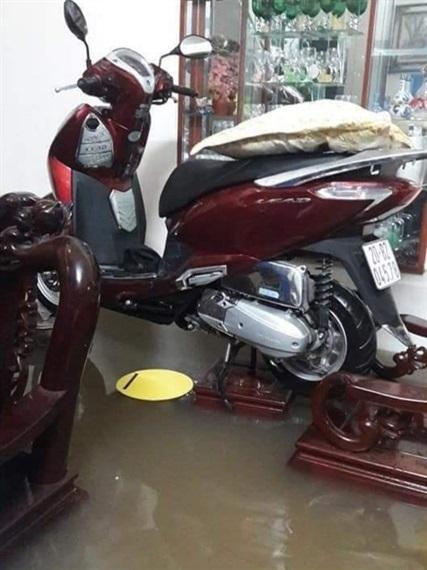 Thái Nguyên ngập nặng sau trận mưa giông lớn sáng nay 9