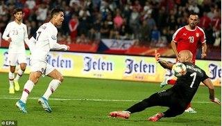 Lập Poker vào lưới Lithuania, Ronaldo lập kỷ lục siêu ấn tượng