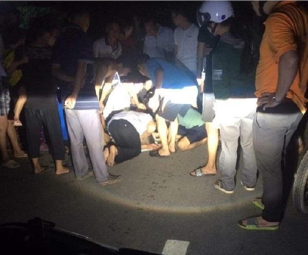 Trượt chân ngã xuống giếng nước ngầm, bé trai 4 tuổi tử vong thương tâm