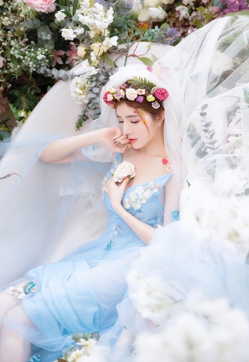 Lilly Luta hóa công chúa xinh đẹp, gây thương nhớ với góc nghiêng3