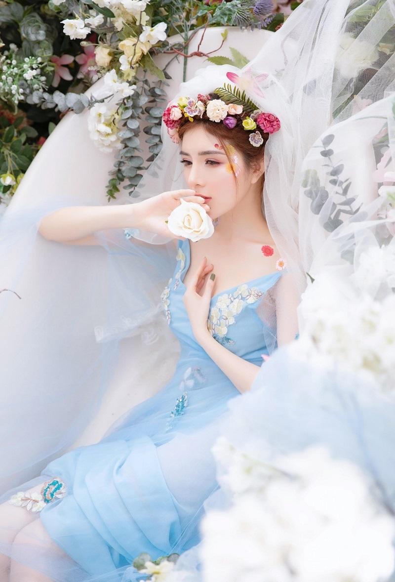 Lilly Luta hóa công chúa xinh đẹp, gây thương nhớ với góc nghiêng4