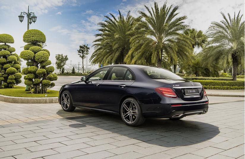 Mercedes-Benz E 300 AMG 2019 giá 2,83 tỷ đông tại Việt Nam