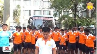 Pháo sáng và cái gập đầu xin lỗi đầy đau xót của CLB Nam Định