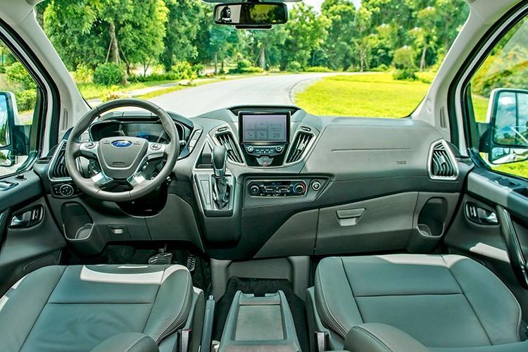 Ford mở bán MPV 7 chỗ mới với giá chỉ từ 999 triệu đồng2