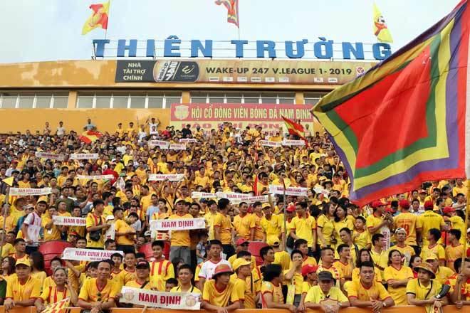 Nam Định huy động 400 cảnh sát trong trận tiếp CLB TP.HCM chiều 15/92