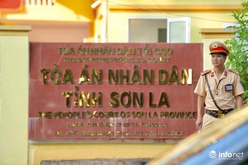 Vụ xét xử gian lận thi cử Sơn La: Triệu tập 45 người liên quan, chỉ 4 có mặt